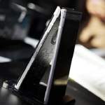 Spesifikasi dan Harga Samsung W2018 Ponsel Flip Dengan Dual Layar 150x150 Daftar Harga Blackberry Terbaru